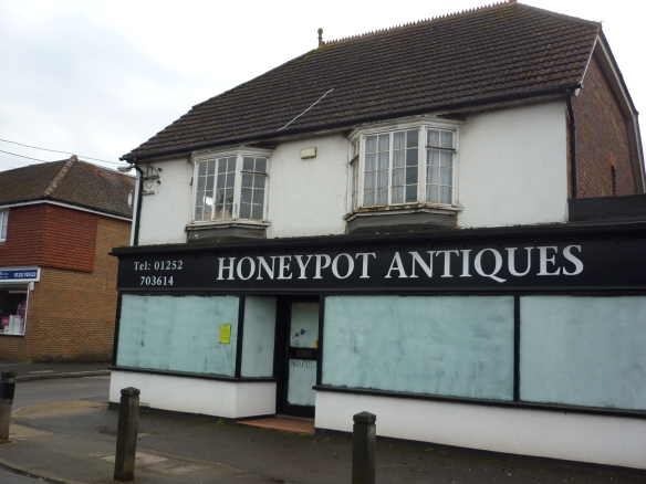 Honeypot Antiques shop.JPG