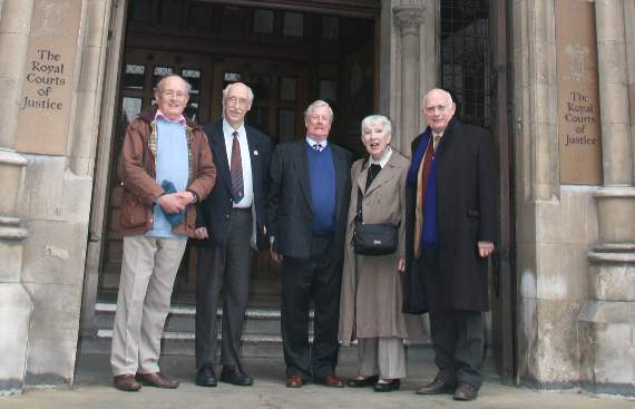 Claimaints-at-the-High-Court1-bew